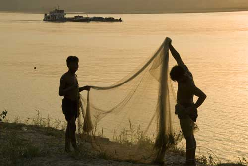drying fishing net-AsiaPhotoStock