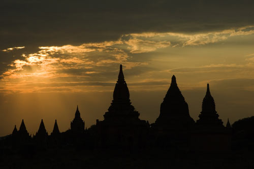 dusk at bagan-AsiaPhotoStock