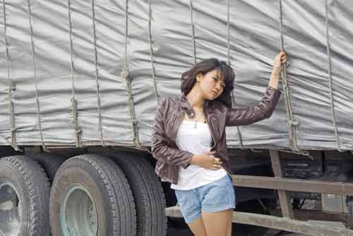 model and lorry-AsiaPhotoStock