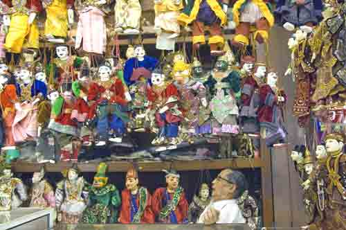 puppet shop-AsiaPhotoStock
