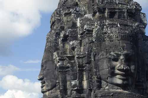 two heads bayon-asia photo stock