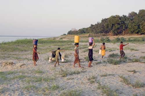 water bucket-asia photo stock