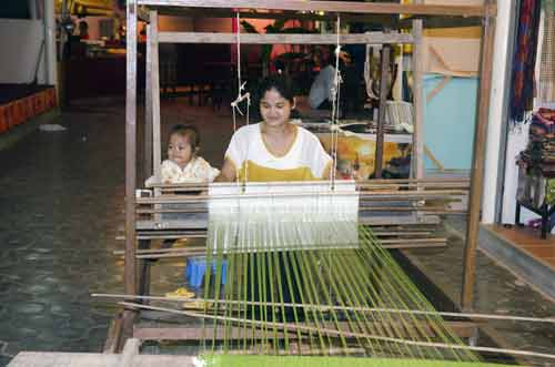 weaver cambodia-asia photo stock
